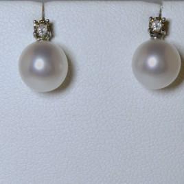 Orecchini Damiani con Perle – Art. 159